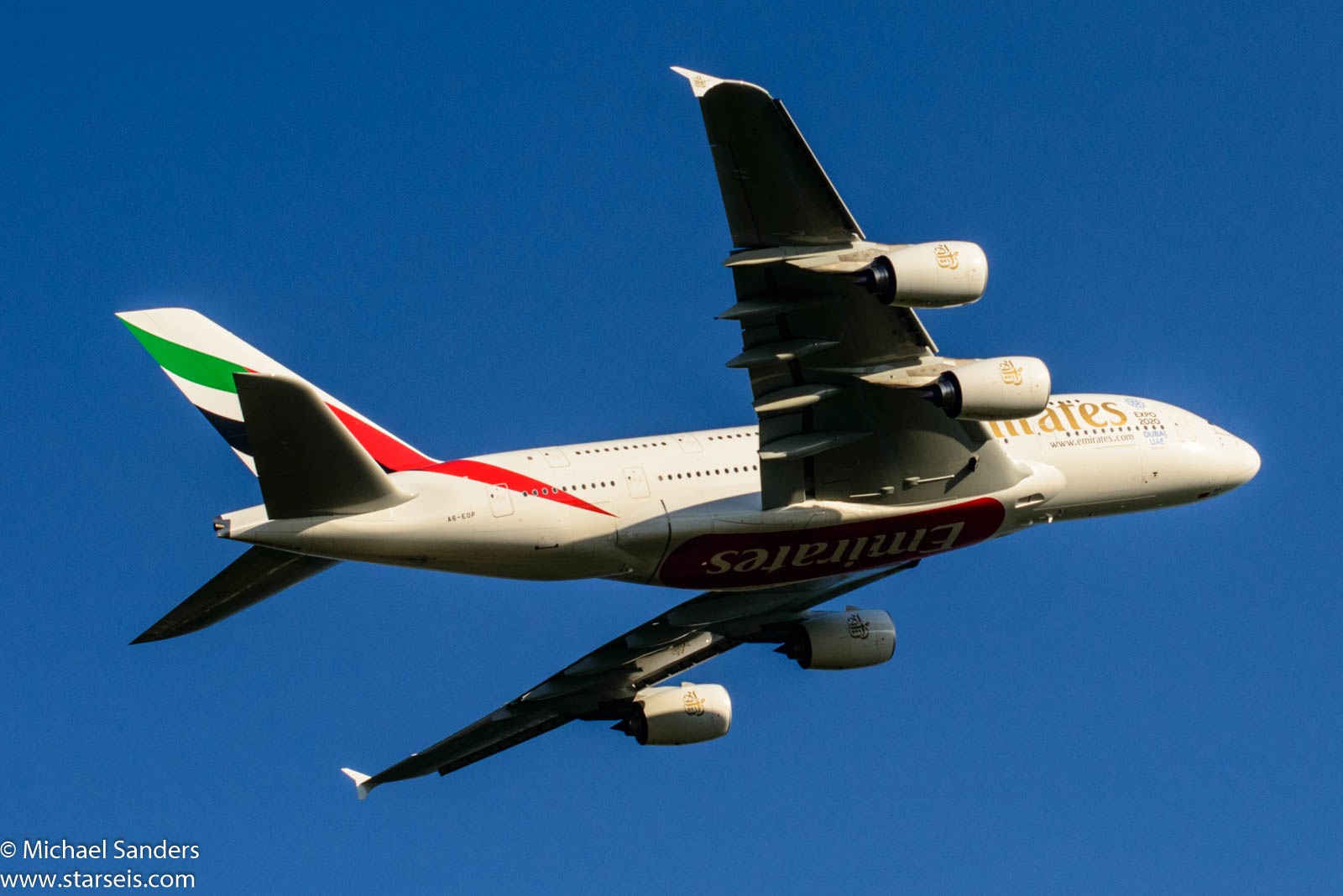 Emirates A380 A6-EOP